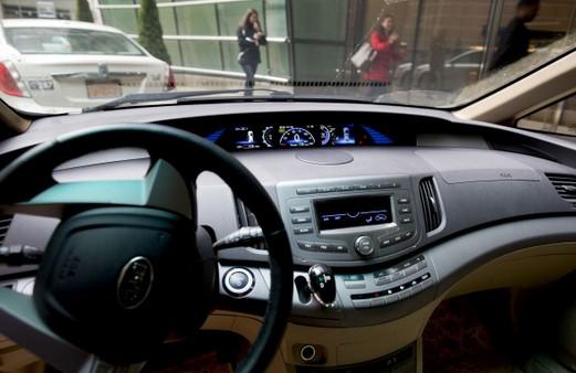 autoradio-voiture-electrique